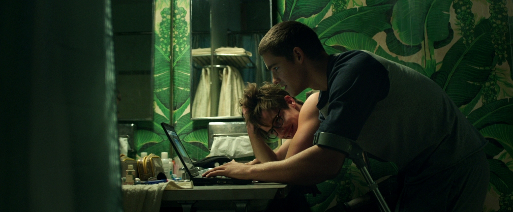 (l-r) Beau Knapp stars as Jonah Breck and Brenton Thwaites as Nic Eastman in Will Eubank's new thriller THE SIGNAL, a Focus Features release.